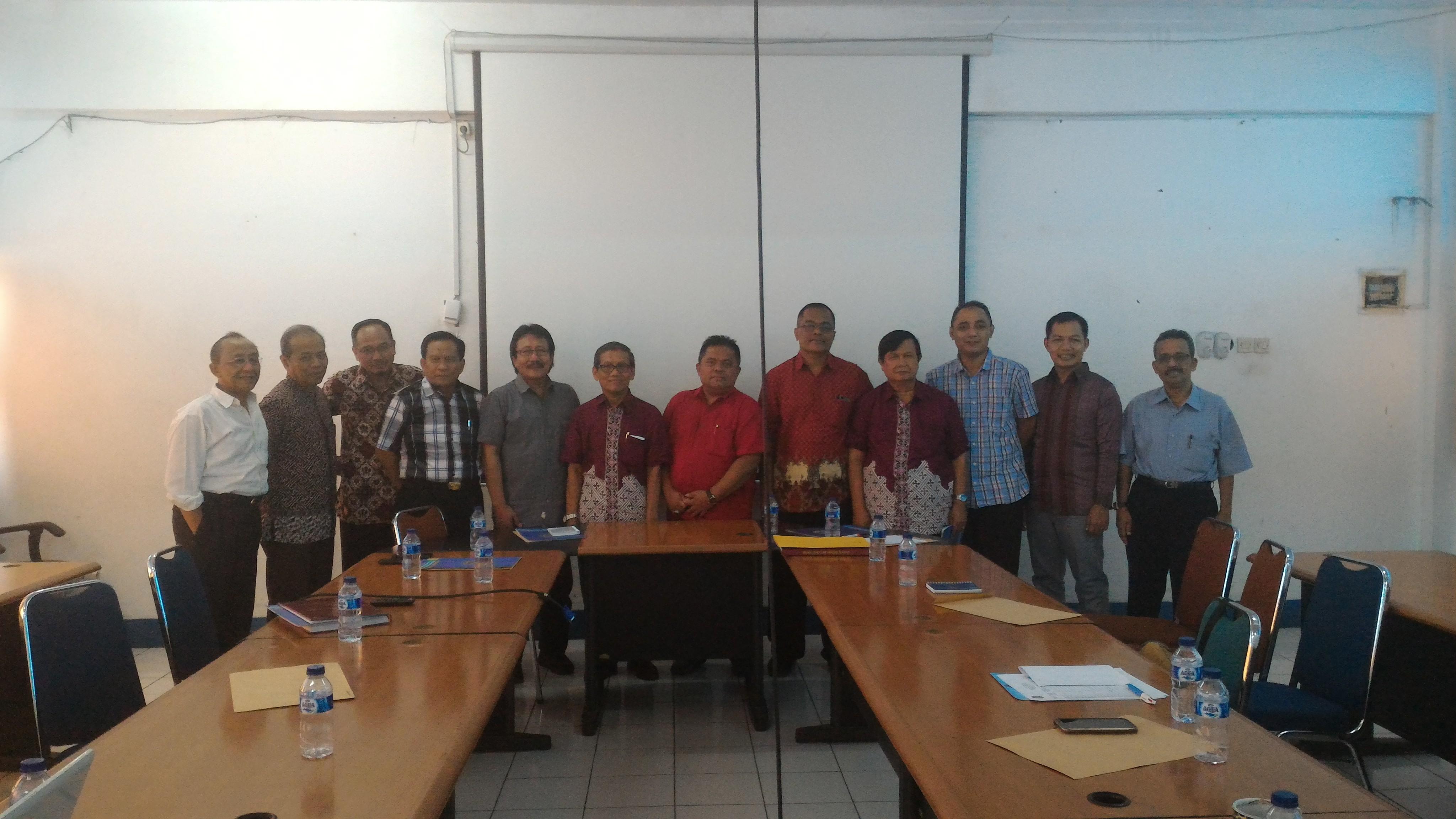 Rapat Pembahasan Kurikulum Pascasarjana Tanggal 5 September 2015